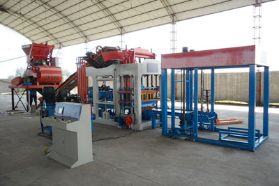 concrete block making machine in Workshop